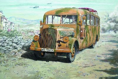 RODEN 726 Opel Blitz Omnibus W39 late service WWII