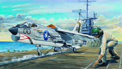 TRUMPETER TR02272  VOUGHT F-8E CRUSADER